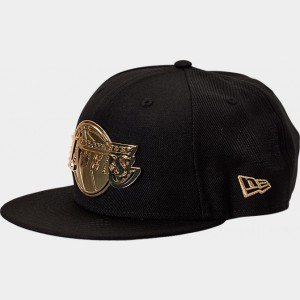 New Era Los Angeles Lakers NBA Metal Badge 9FIFTY Snapback Hat Black/Gold Sales